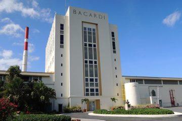 Bacardi maakt schade op na orkaan Maria