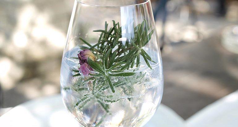 Ruim 300 Britse distilleerderijen maken gin