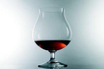 Cognac timmert flink aan de weg